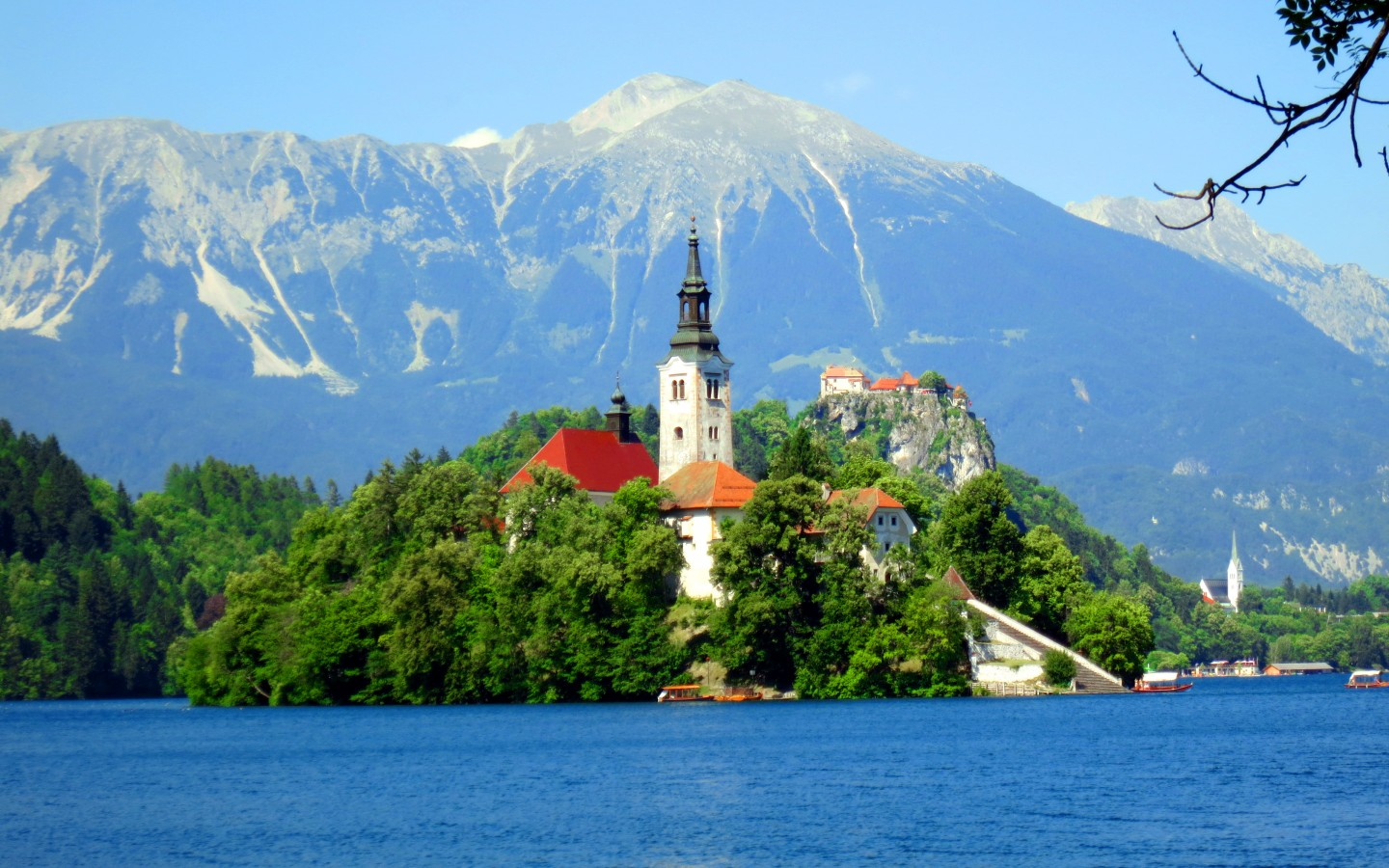Bled, Slovenia. Sursa foto: wallpapers13.com