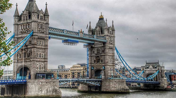 Tower Bridge, Londra. Sursa foto: tvl.ro